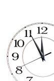 Klok die geïsoleerdee tijd over twaalf toont Stock Foto