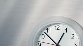 Klok die tonend één uur tikken Stock Foto