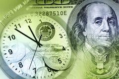 Klok en contant geld royalty-vrije stock afbeelding
