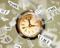 Klok en horlogeconcept met tijd die wegvliegen Royalty-vrije Stock Afbeeldingen