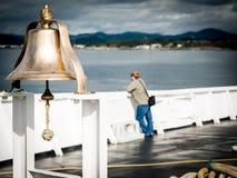 Klok en passagier op Zwarte Balveerboot aan Victoria, BC Stock Afbeelding