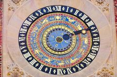 Klok in Hampton Court Palace, Londen, het Verenigd Koninkrijk Royalty-vrije Stock Afbeeldingen