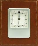 Klok met bruin frame Royalty-vrije Stock Foto's