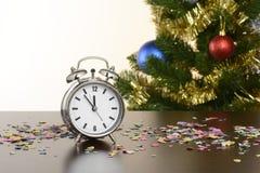Klok ongeveer aan teken 12, Kerstmis Royalty-vrije Stock Afbeelding