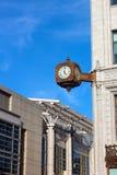 Klok op de hoek van de historische bouw in Washington DC Stock Foto's