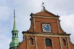 Klok op de Kerk van Holmen in Kopenhagen, Denemarken stock afbeelding