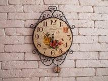 Klok op de muur voor achtergrond Royalty-vrije Stock Foto