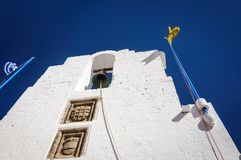 Klok in Panagia-Kerk van Lindos, Griekenland stock fotografie