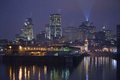 Klok towerThe klokketoren in Oude Haven van Montreal royalty-vrije stock fotografie