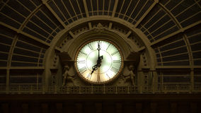 Klok van station Keleti in Boedapest Stock Afbeeldingen