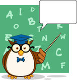 Kloka Owl Teacher Cartoon Character With en anförandebubbla och bakgrund stock illustrationer