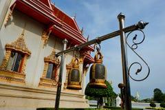 Klokken in Boeddhistische tempels stock afbeelding