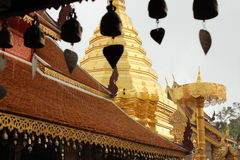 Klokken in Wat Phrathat Doi Suthep, Chiang Mai royalty-vrije stock afbeeldingen