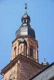 Klokketoren en spits van Kathedraal van Heilige Geest in Heidelberg Royalty-vrije Stock Foto