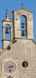 Klokketoren met klok Stock Foto