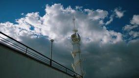 Klokketoren op een achtergrond van wolken stock video
