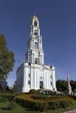 Klokketoren in SAM-sergeiabdij, Russische federatie Royalty-vrije Stock Foto