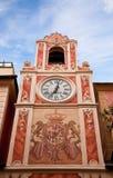 Klokketoren in stad Loano, Ligurië stock afbeeldingen