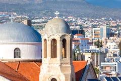 Klokketoren van de Heilige kerk van Drievuldigheidsagia Triada Limassol, Cypru Stock Afbeelding