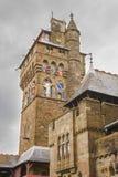 Klokketoren van het Kasteel van Cardiff in Cardiff in Wales stock afbeelding