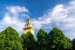 Klokketoren van Santa Maria Magdalena Church, Stockholm, Zweden stock afbeeldingen