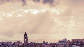 Klokketoren van St Peter in Reus met donkere onweerswolken timelapse stock video
