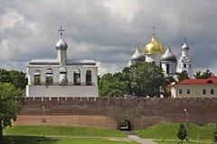 Klokketoren van St Sophia Cathedral in Novgorod Groot (Veliky Novgorod) Rusland Stock Afbeeldingen