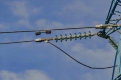 Klokvormige isolatieketting van de lijn van de stroomtransmissie Stock Afbeelding