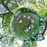 Klonen op een uiterst kleine planeet Stock Foto