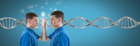 Klonen Sie den Doppelmann, der mit genetischer DNA und Scheinen sich berührt lizenzfreies stockbild