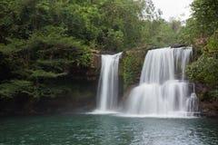 Klong Chao vattenfall i Thailand Arkivbild