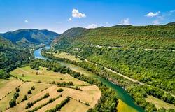 Kloof van de rivier van Ain in Frankrijk stock afbeelding