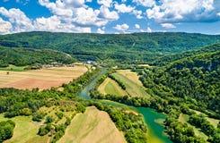 Kloof van de rivier van Ain in Frankrijk stock fotografie