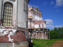 Klooster artemievo-Vercolsky Orthodox overblijfsel Stock Fotografie