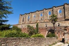 Klooster in de abdij van San Galgano, Toscanië. Stock Afbeeldingen