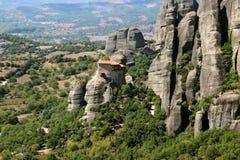 Klooster in de bergen Mening van de bergvallei Stock Foto