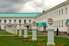 Klooster in de stad van Lodeinoye-pool Stock Foto