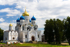 Klooster in het gebied van Moskou stock foto's