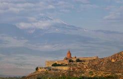 Klooster Khor Virap en de hellingen van Ararat Royalty-vrije Stock Afbeelding