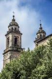 Klooster van St Francis en een monument aan zijn stichtersst Frank stock afbeeldingen