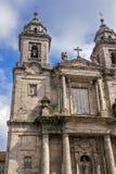 Klooster van St Francis en een monument aan zijn stichtersst Frank stock fotografie