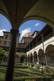 Kloostertuin van de Basiliek Di San Lorenzo, Florence, Itali? - 23 Mei 2016 stock afbeelding