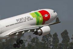 KLOPFEN Sie A330 Stockfotos