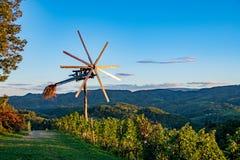 Klopotec、地道传统风车斯洛文尼亚酒路和地方吸引力独特对斯洛文尼亚 库存图片