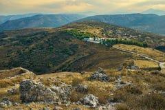 Kloster Agion Anargiron ovanför Argos royaltyfri fotografi