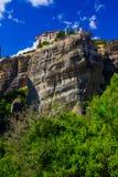 Kloster auf dem Felsen in Meteora Lizenzfreie Stockfotos