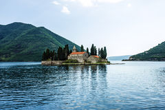 Kloster auf der Insel in Perast Stockfotografie