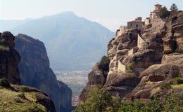Kloster auf einem Felsen Stockfoto