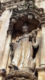 Kloster av den Alcobaça statyn, Alcobaça, Portugal royaltyfri fotografi