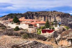 Kloster av den heliga Treenighet i Meteora, Grekland arkivbild